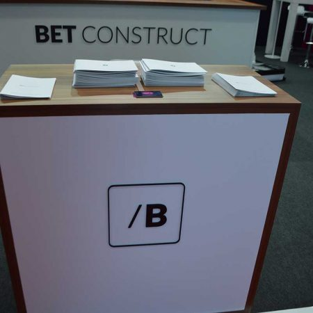 bet construct it gaming vending eae 2015 2 450x450 BET CONSTRUCT   IT GAMING VENDING   EAE   2015