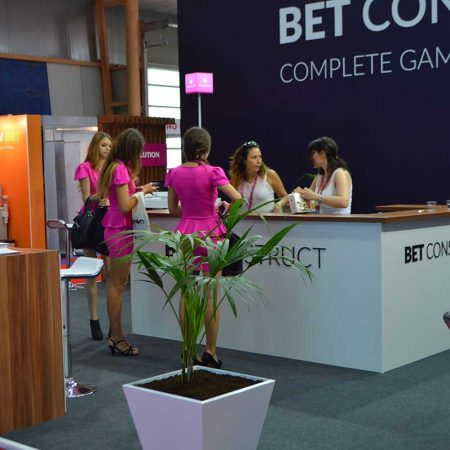 bet construct it gaming vending eae 2015 6 450x450 BET CONSTRUCT   IT GAMING VENDING   EAE   2015